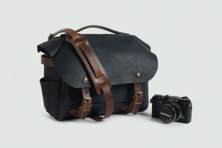 arles, olympus, camera bag