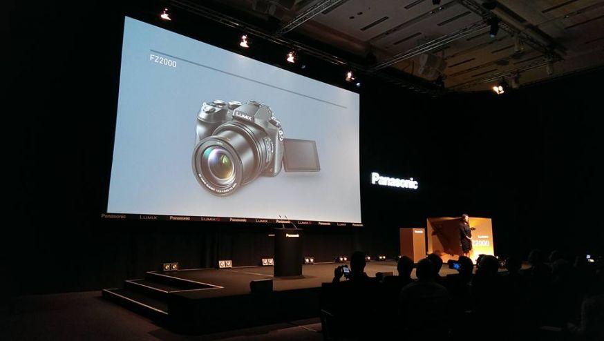 Panasoninc LUMIX FZ2000