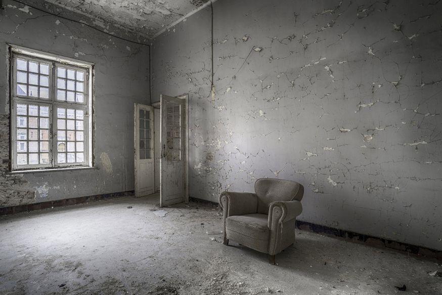 Anita Spooren - Lost in Decay