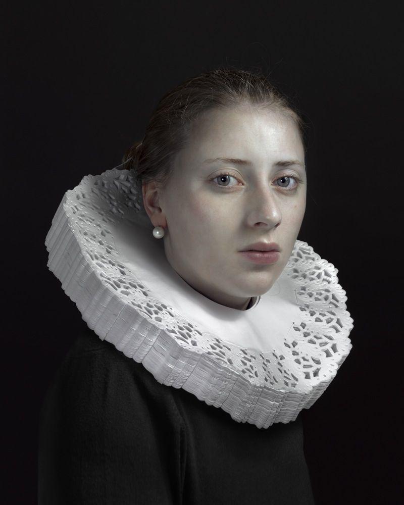 Klassieke portretten met hedendaags materiaal