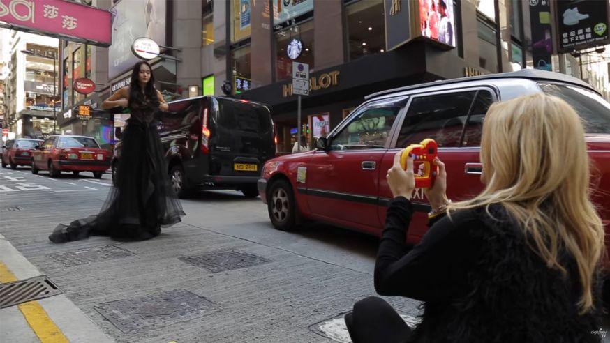 Lara Jade en een goedkope camera