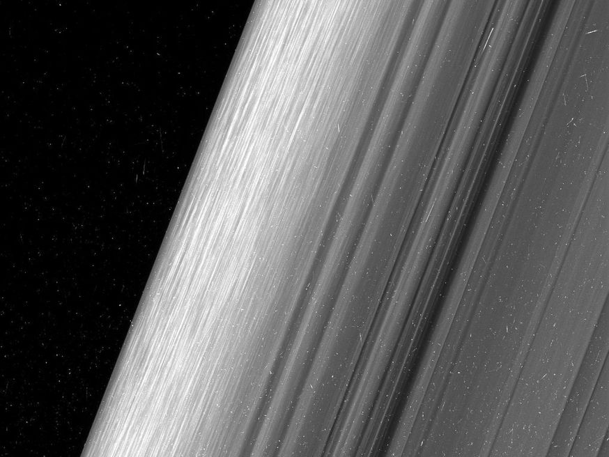 Prachtige beelden van ringen van Saturnus