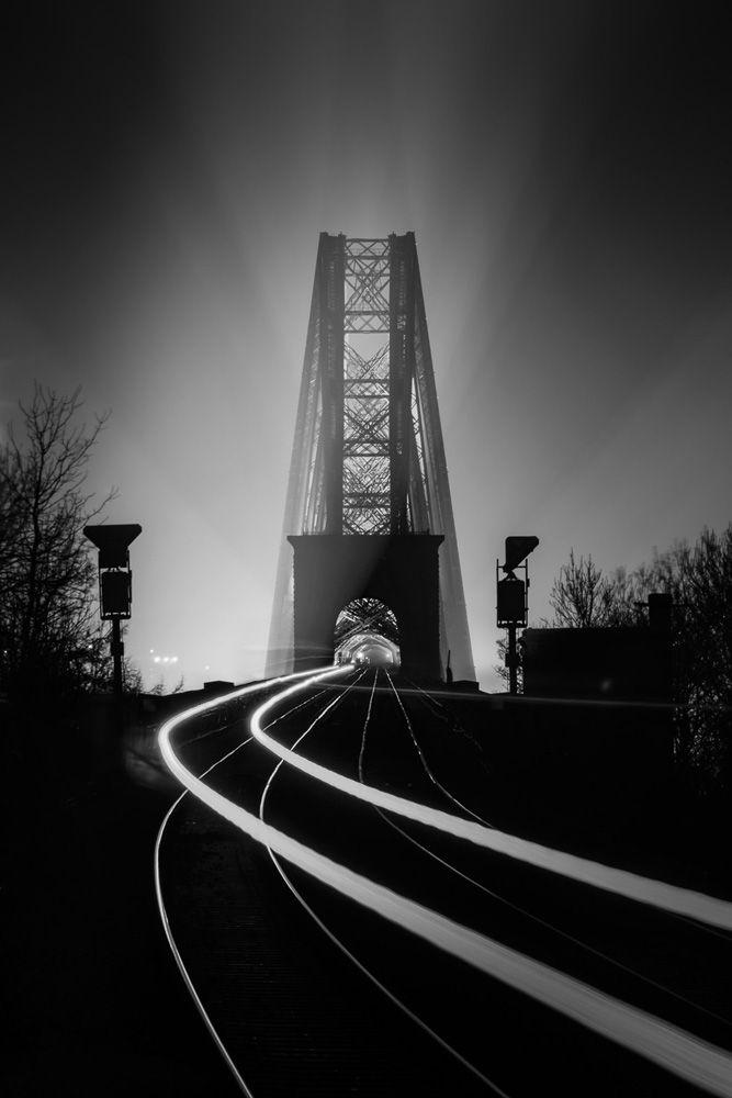 © David Queenan - Northbound, Dalmeny Station, Schotland