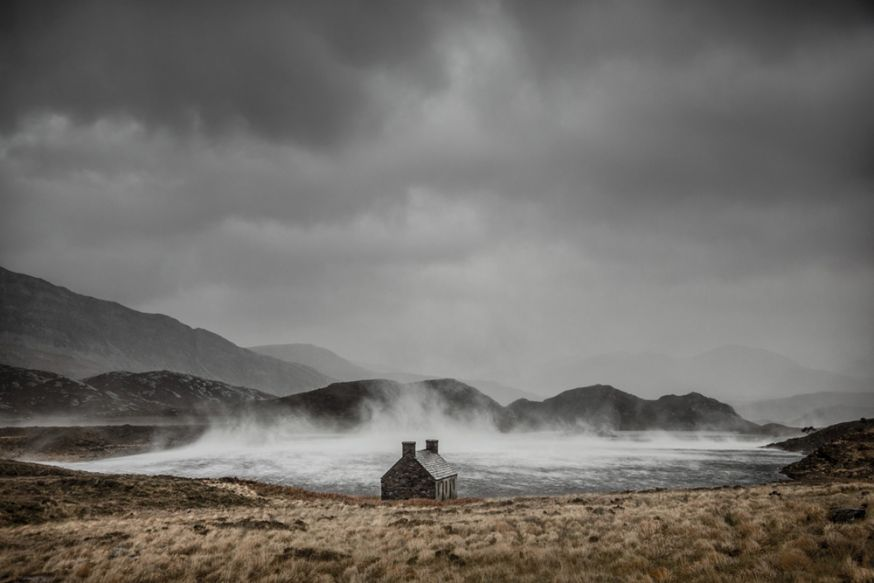 © Dougie Cunningham - Shelter from the Storm, Loch Stack, Sutherland, Schotland