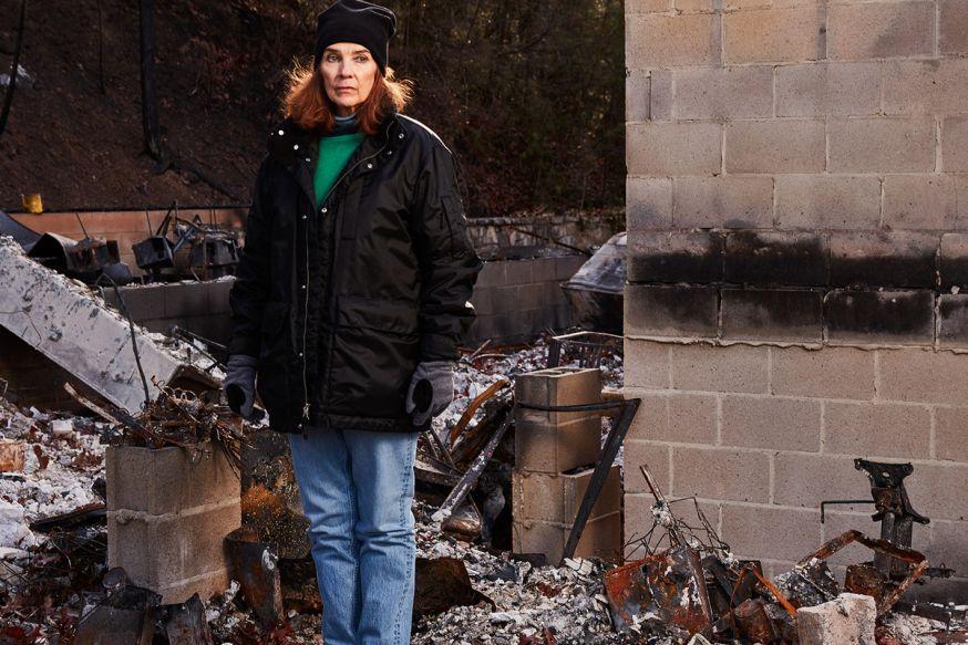 Jeremy Cowart helpt slachtoffers van grote brand