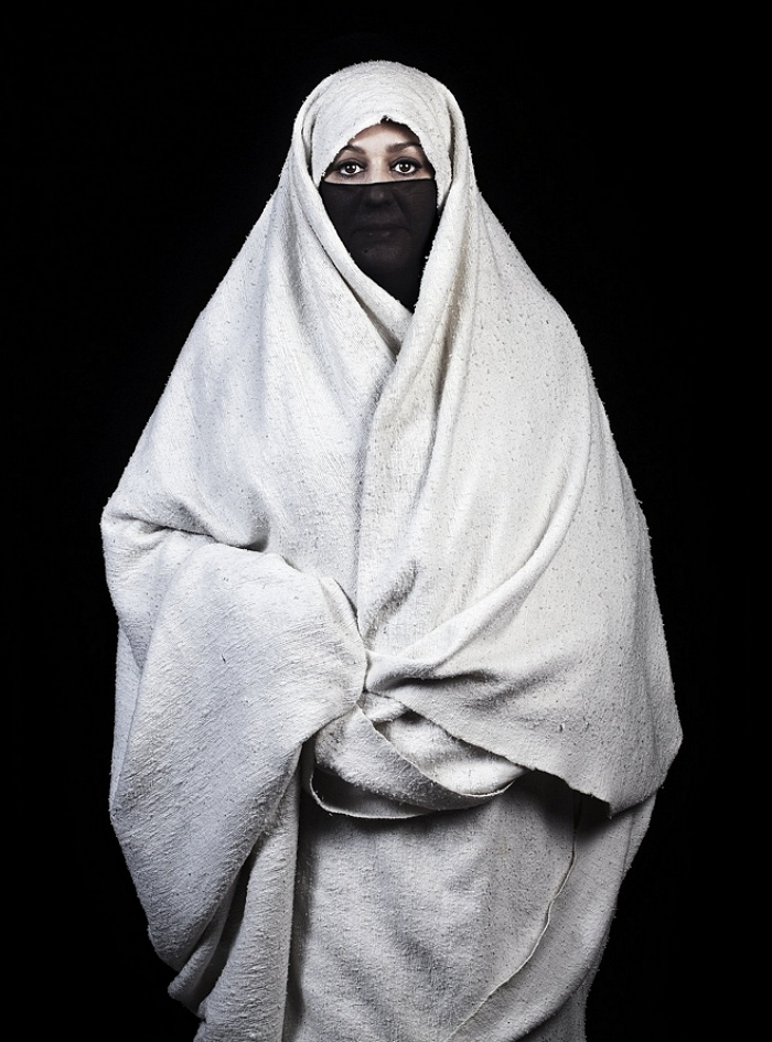 Op 18 januari 206 is Leila Alaoui overleden aan de gevolgen van een terroristische aanslag in Ouagadougou, Burkina Faso. De Frans minister van cultuur, Fleur pellerin, bevestigde haar dood op Twitter.  Veelbelovend  Leila Alaouli werd door velen als een v