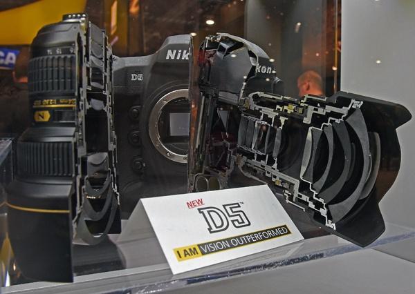 Nikon D5 doorsnede