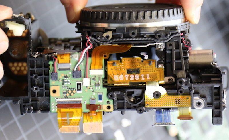 De Canon 5D Mark IV uit elkaar gehaald
