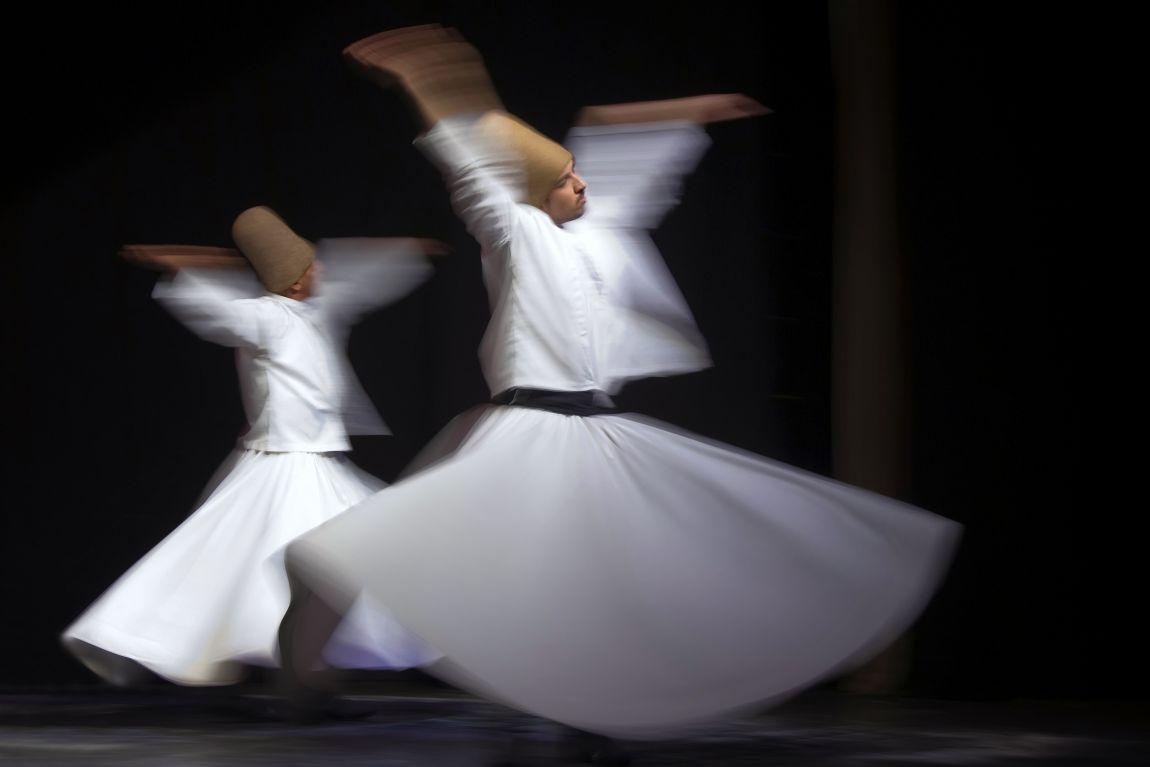 foto Whirling dervishes van Iris Waanders op DIGIFOTO Pro