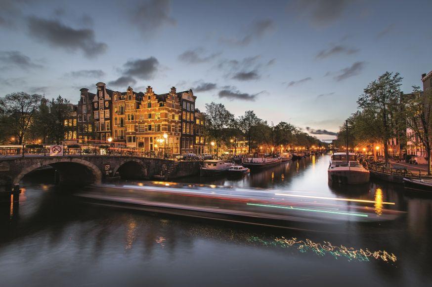 arnoud van de weerd spotlight blue hour amsterdam