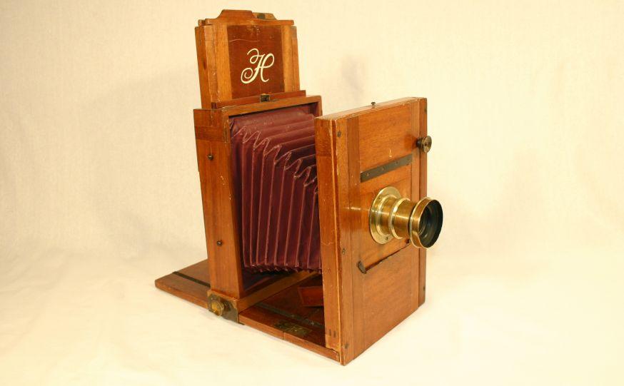Tijdens de World Press Photo Zutphen die van 6 tot en met 29 juli wordt gehouden, is ook de expositie 'De geschiedenis van de fotocamera' te zien in de Walburgiskerk