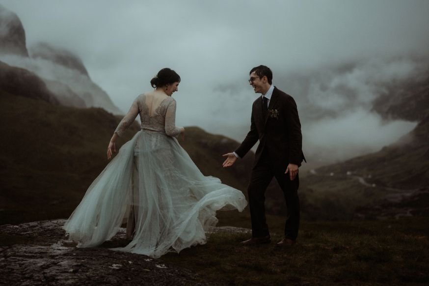 Elopement moments - marriage of Olivia and Brandon, Scotland. Nikon Z 6 + AF-S NIKKOR 50mm f/1.8G (FTZ Mount Adapter)   1/1000 sec   f/2.0   50 mm   ISO 100 © The Kitcheners