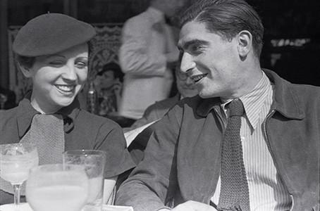 Robert Capa and Gerda Taro, 1936 by Fred Stein - JCK